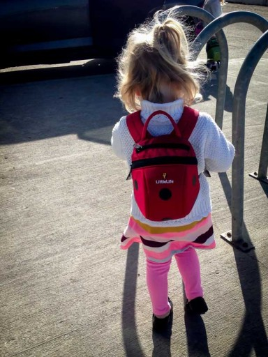 what to pack when flying with toddlers